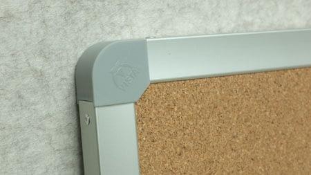 Photo of the plastic corner of Metallo trim